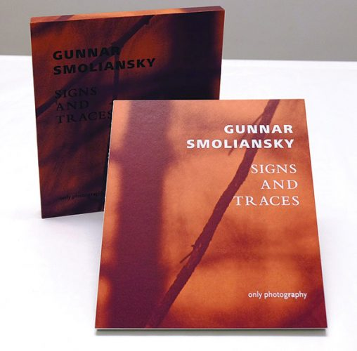 buch_gunnar_smoliansky_signs_and_traces_sep2016_only_photography_cover_beide