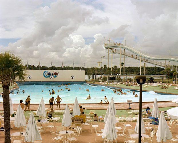 Joel-Sternfeld,-Wet-'n'-Wild-Aquatic-Theme-Park,-Orlando,-Florida,-September-1980