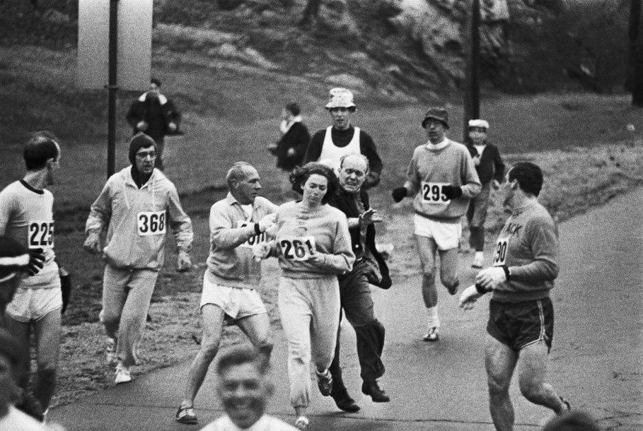 Portrait de Femmes : Kathrine Switzer s'impose dans un marathon