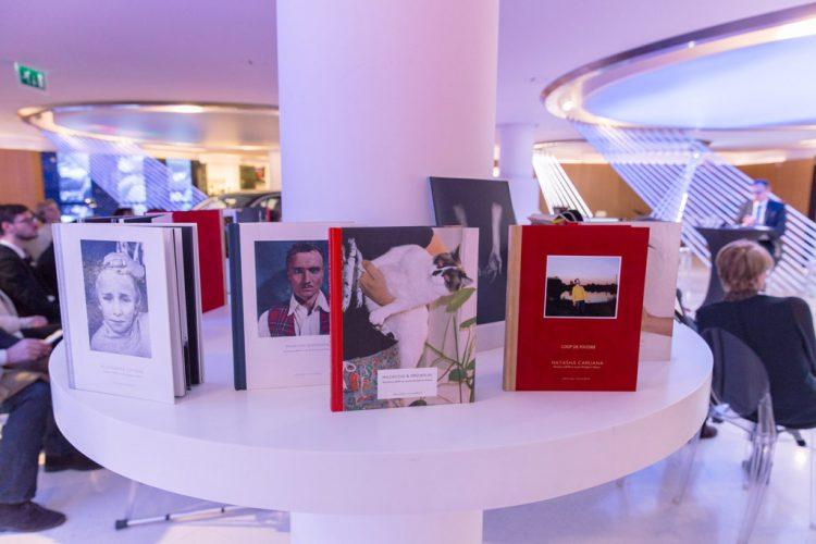 BMW-&-GOBELINS-PARIS-PHOTO-2017-_-Brand-Store-BMW-George-V_WEB7