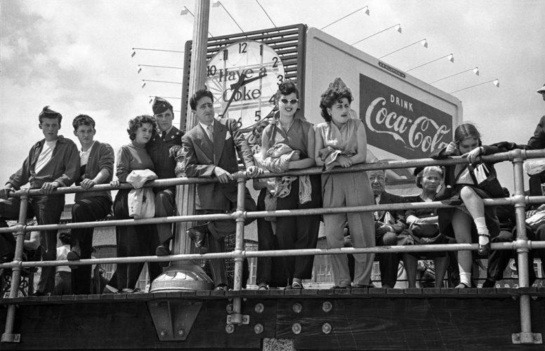 GTB_Harold_Feinstein_Coke_Sign_on_the_Boardwalk_1949-HD