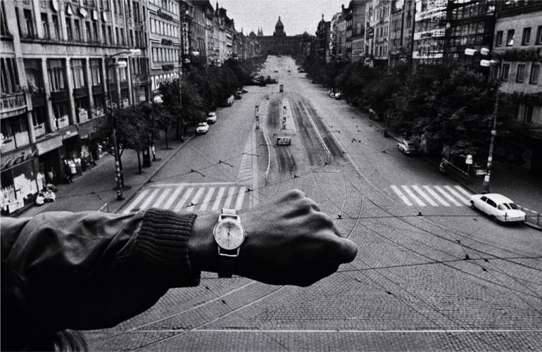 KOUDELKA_INVASION_PRAGUE_1968