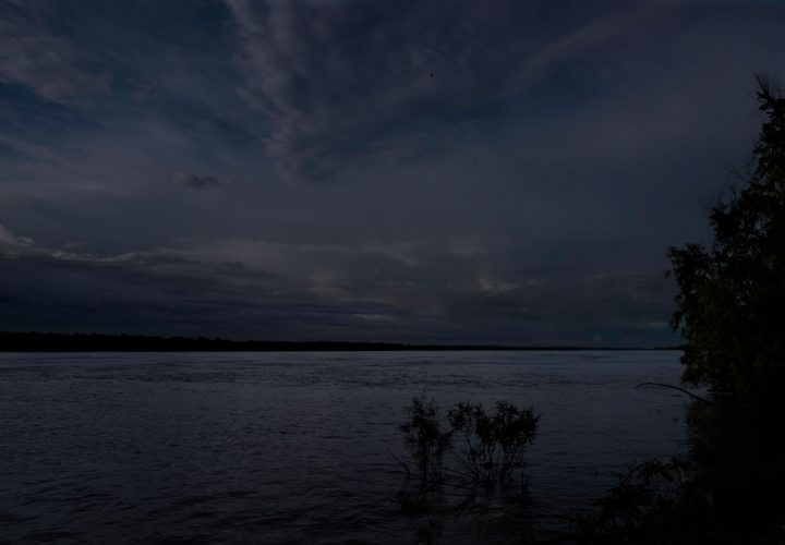 Moonlight-Over-the-Mississippi.-Tensas-Parish,-Louisiana,-2014