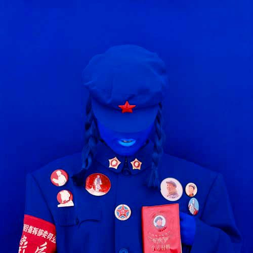 kimiko_yoshida_the_mao_bride_red_guard_blue_holding_the_little_red_book._self-portrait_2010_c-print_mounted_on_aluminium_and_plexiglas_120_x_120_cm_ed._210_courtesy_galerie_dukan