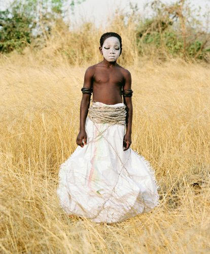 02_Statuette_Punu_Bintou_Guinee_2011_Namsa_Leuba