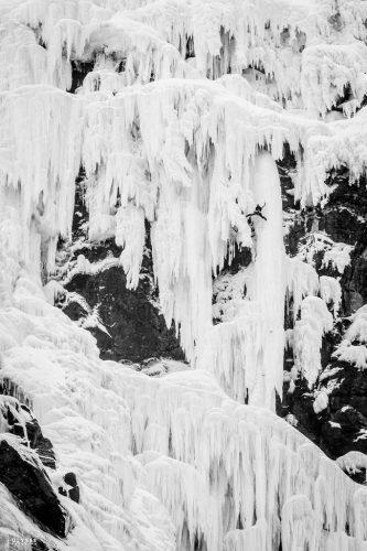 11.-Labyrinthe.-Skytjefossen,-Eidfjord,-Norvège,2014.®UlysseLefebvre