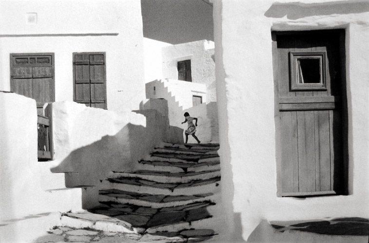 henri-cartier-bresson-siphnos-greece-photographs-zoom_758_500