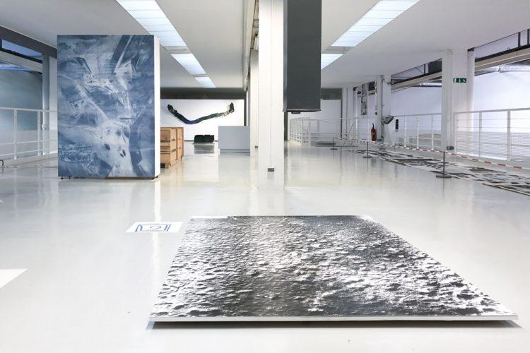 vue-générale-de-l'exposition-Latitude-48.9333-©-Les-EpouxP---Pascale-&-Damien-Peyret---2017