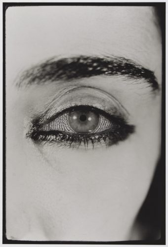 Shirin-Neshat,-Offered-Eyes,-1993