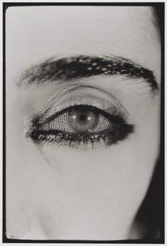 Shirin-Neshat,-Offered-Eyes,-1993