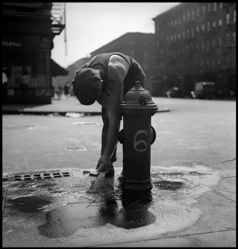 Bouche-d'incendie,-New-York,-1947-©-Fred-Stein-Archive