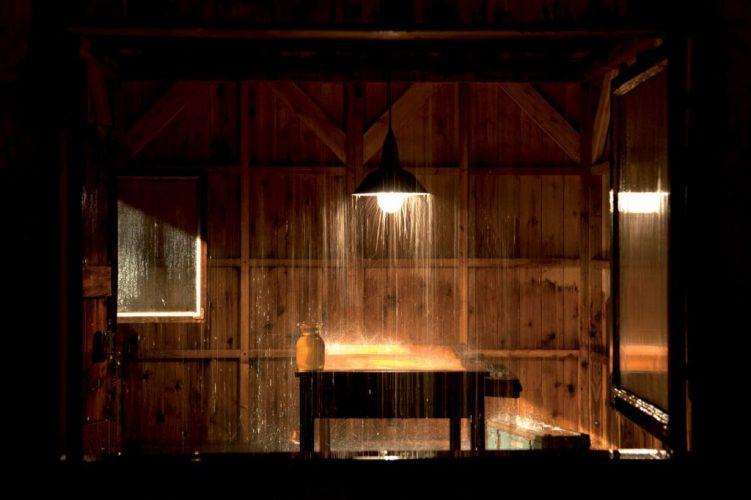 Stéphane-Thidet-«-Sans-titre-Le-Refuge-»-2007-collection-Les-Abattoirs-Frac-Midi-Pyrénées-©-Stéphane-Thidet-Photographie-Bernard-Delorme-1024x682