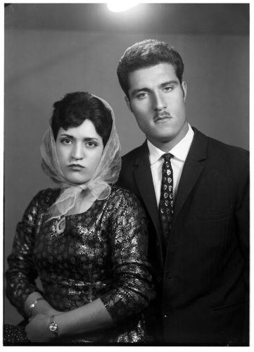 Identities,-Couples-in-Iranian-photo-studio-