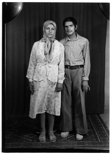 Identities,-Couples-in-Iranitn-photo-studio-1