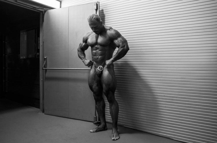 Dennis-Wolf-in-backstage-(Arnold-Classic-Europe-2015---Madrid,-Spain)