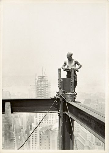 Lewis-Hine-_On-The-Hoist_-Empire-State-Building_1931