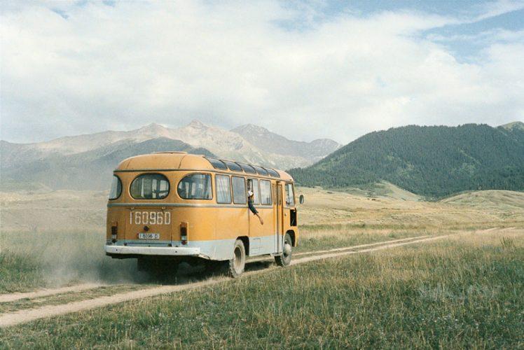 4©Claudine-Doury_Loulan-Beauty-Autour-de-Barskoön,-Kirghizstan-2004