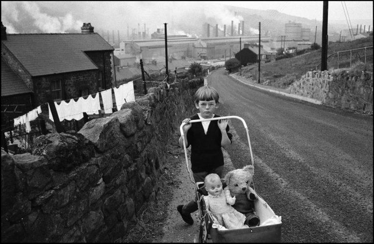 1_WALES.-1965.-Welsh-Miners-©-Bruce-Davidson