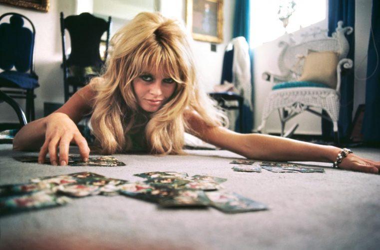 Douglas-Kirkland-Brigitte-Bardot-Cards-1965-Galerie-GADCOLLECTION