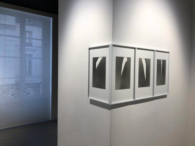Exposition-'Midi-et-Quart'-de-Yannig-Hedel---Galerie-Thierry-Bigaignon-1