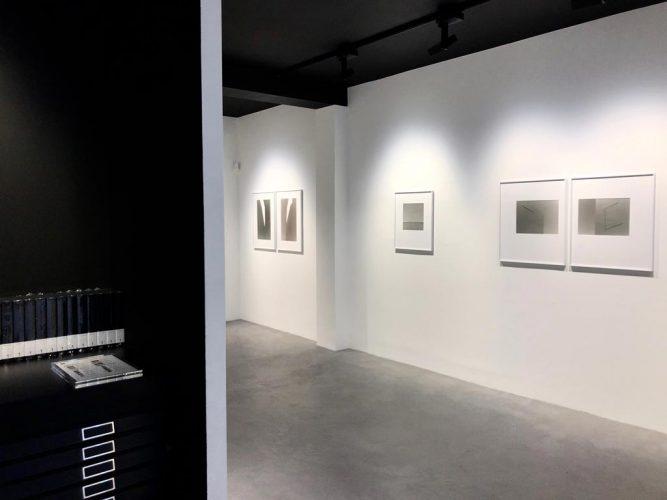Exposition-'Midi-et-Quart'-de-Yannig-Hedel---Galerie-Thierry-Bigaignon-5