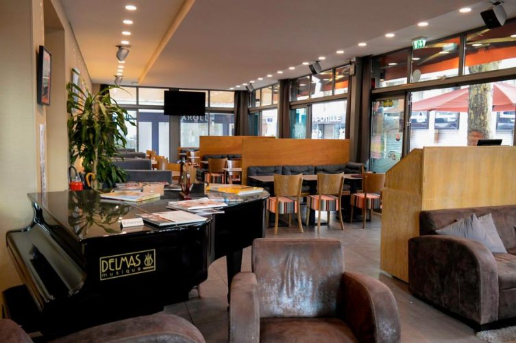 salle2_photo-ambiance-le-grand-cafe-de-la-poste-perpignan