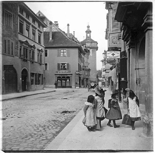 serguei-chelnokov-des-enfants-sur-la-rue-schaffhausen-suisse-1900