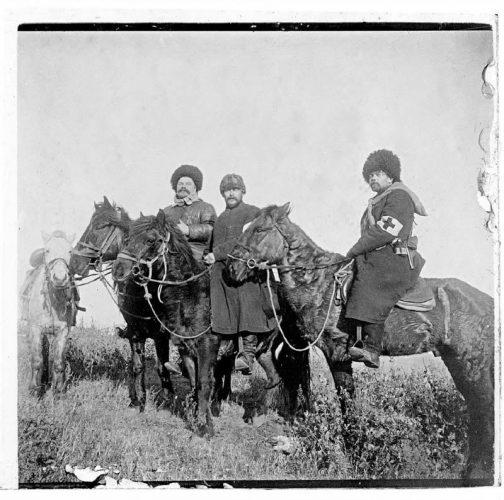 serguei-chelnokov-equipe-sanitaire-port-artur-1904
