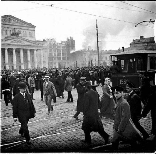 serguei-chelnokov-l-incendie-du-maly-theatre-place-du-theatre-2-mai-1914--moscou