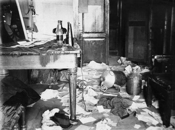 serguei-chelnokov-perquisition-dans-un-laboratoire-1917