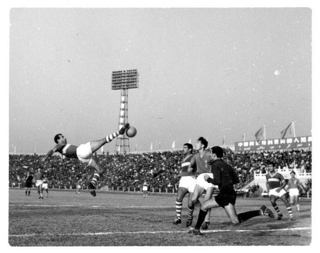 FOOT-Equipe-FLN-Chine-1959_0_729_576