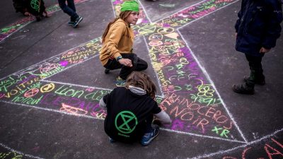 Carte blanche à Monica Santos et Mat Jacob : Extinction Rebellion