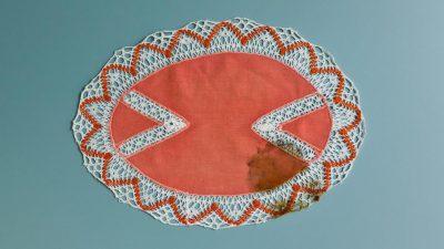 Carte blanche à Brigitte Manoukian : Le napperon taché