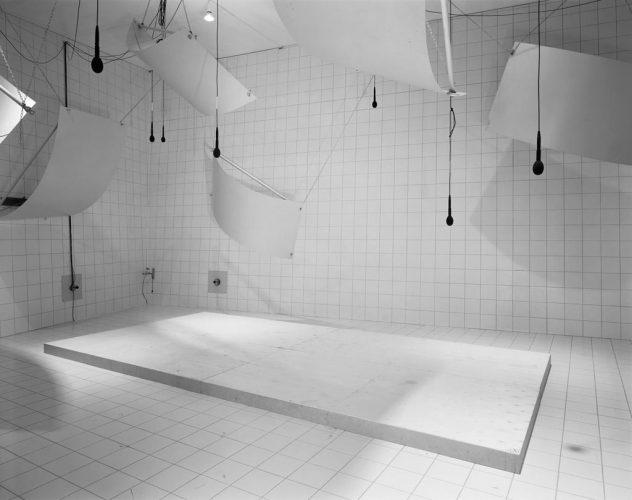 13--LC---Laboratory-(Microphones),-1999,-112,5x137,5cm