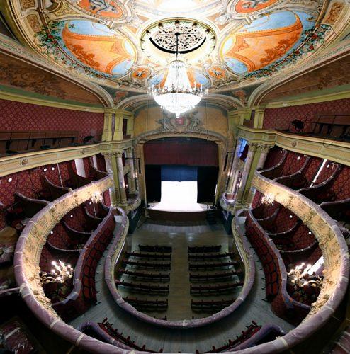 JP--Saint-Omer-Theatre-a-l'-italienne-©Carl-Petrolff