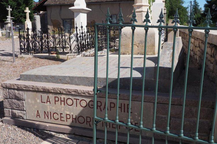 2019-LA-TOMBE-DE-NICE-PHORE-NIE-PCE-A-SAI-NT-LOUP-DE-VARENNE-71-(C)-Jacques-Revon
