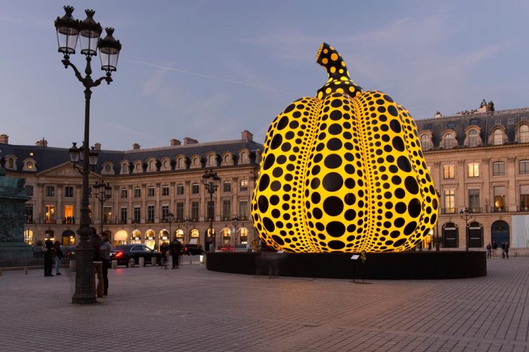 FIACLife-of-the-Pumpkin-Recites,-All-About-the-Biggest-Love-for-the-People---2019-YA-YOI-KUSAMA-©-Marc-Domage