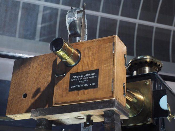 20191122-EVIAN-EXPOSITION-LUMIERE-AU-PALAIS-LUMIER-E-LA-CAMERA-CINEMATOGRAPHE-©-JACQUES-REVON-13