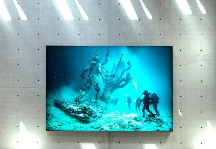 _-underwater-10234px-L1012625