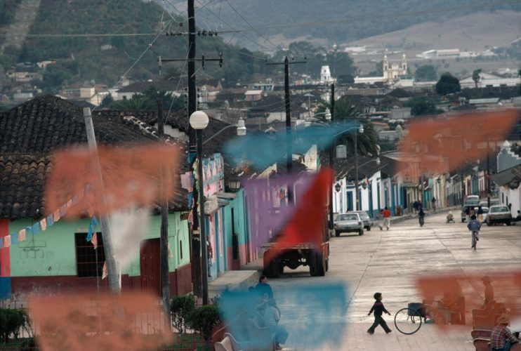 Rene-Burri_Mexique_Etat-du-Chiapas_1982-(C)-Rene-Burri_Magnum-Photos_Fondation-Rene-Burri_Musee-Elysee