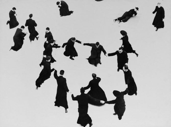 300-dpi-©-Giacomelli---Pretini---Prêtres-en-récréation