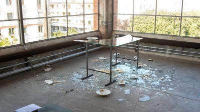La vie des tables au Crédac, exposition résiliente et nécessaire!